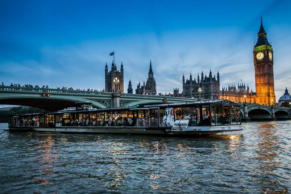 Bateaux London Cruise External